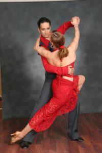 רוקדים סלסה
